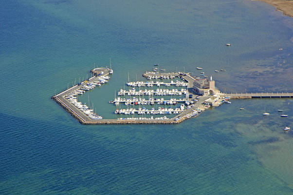 Los Urrutias Marina