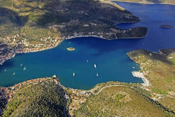 L Vatheos Marina
