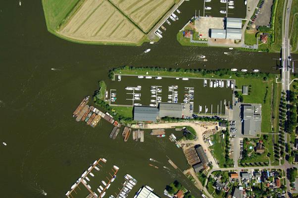 Mid Friesland Watersport Marina