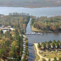Twin Lakes Camping Resort & Yacht Basin