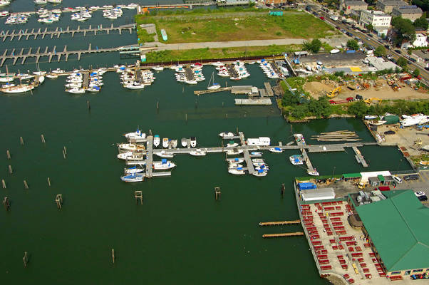 Harbour Pointe Marina