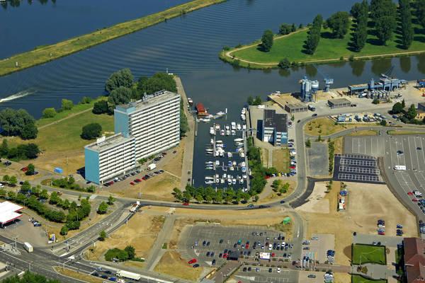 Maashaven Yacht Harbour