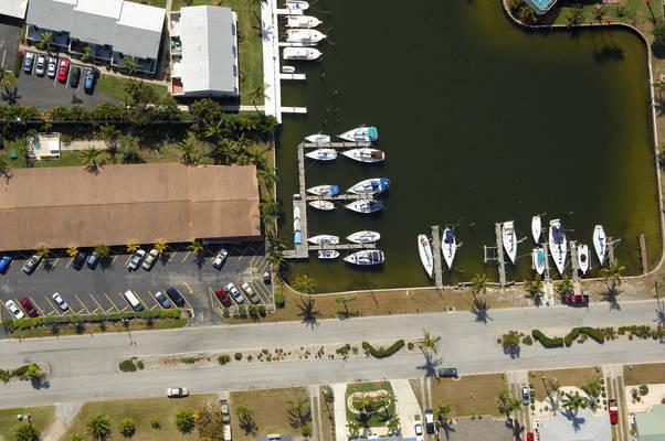 Mariner's Lodge & Marina