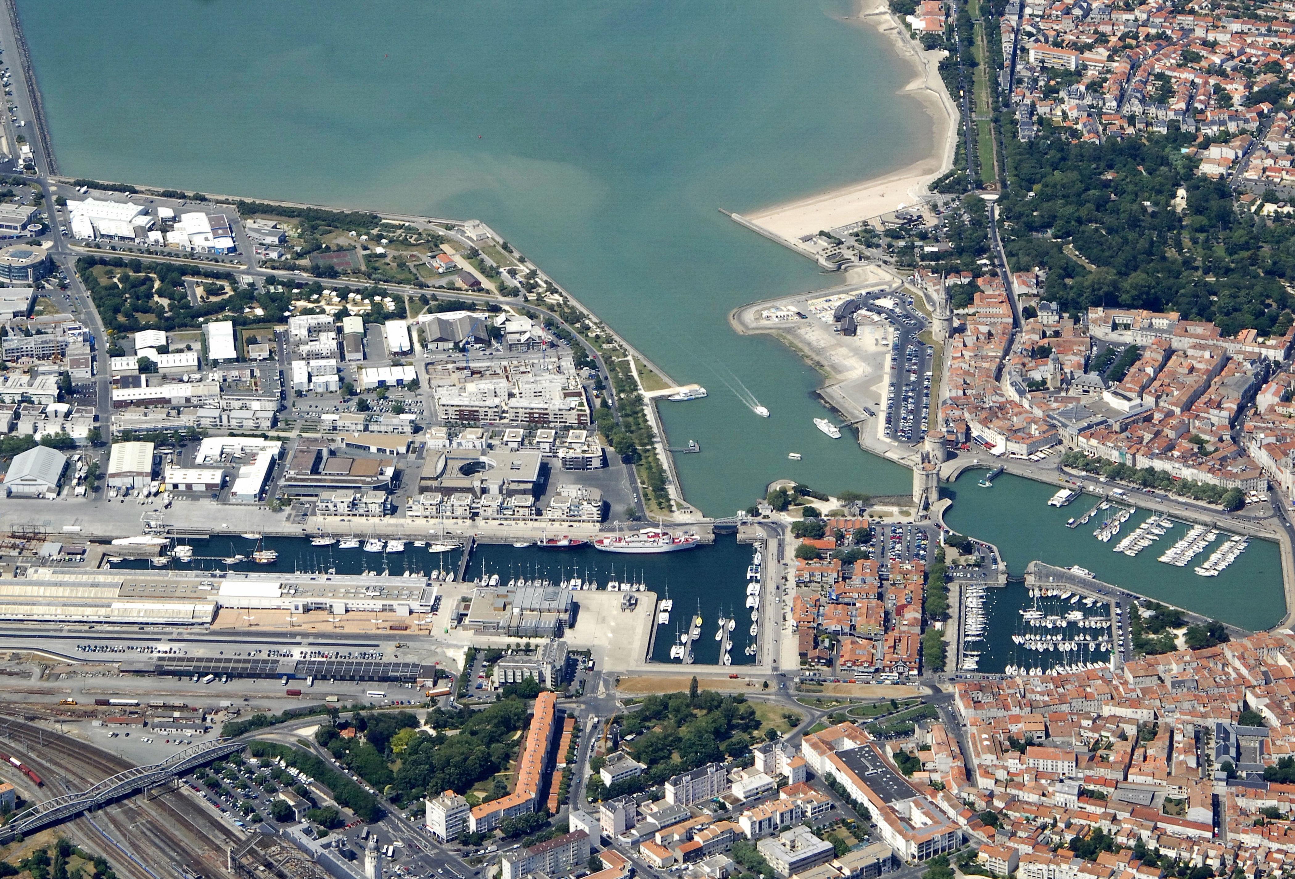Capitainerie port de plaisance la rochelle in la rochelle poitou charentes france marina - Port de cannes capitainerie ...