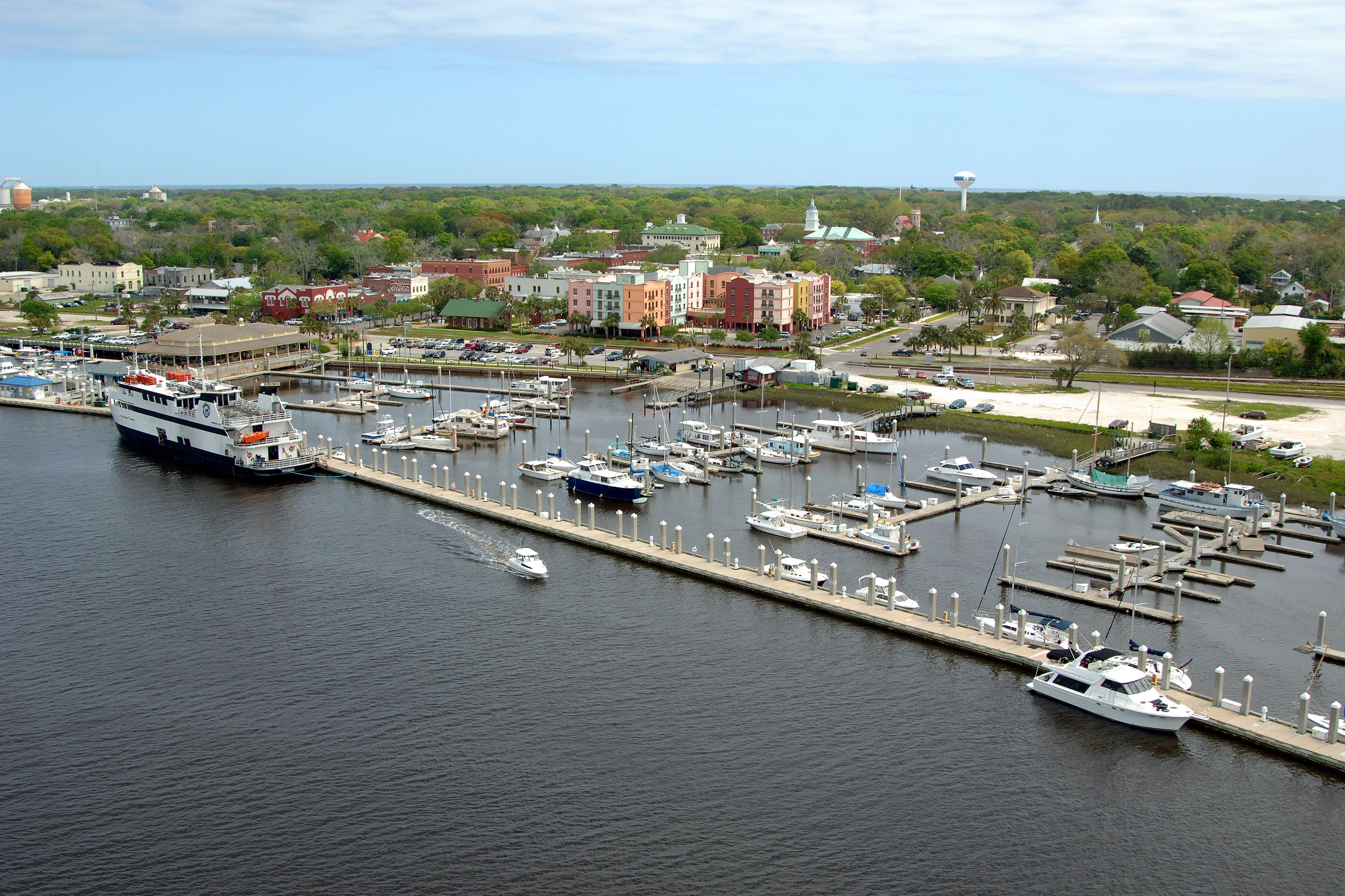 Fernandina Harbor Marina in Fernandina Beach, FL, United States - Marina  Reviews - Phone Number - Marinas.com