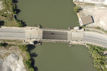Jefferson Avenue Bridge