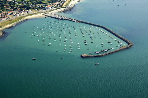 Port De La Gravette Marine Center