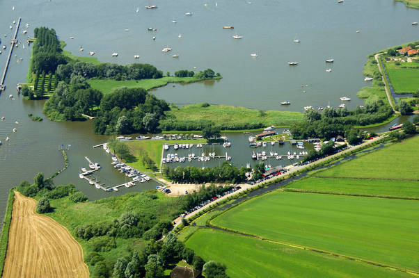 Sneekerhof Yacht Harbour