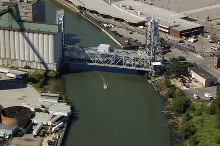 Michigan Avenue Lift Bridge