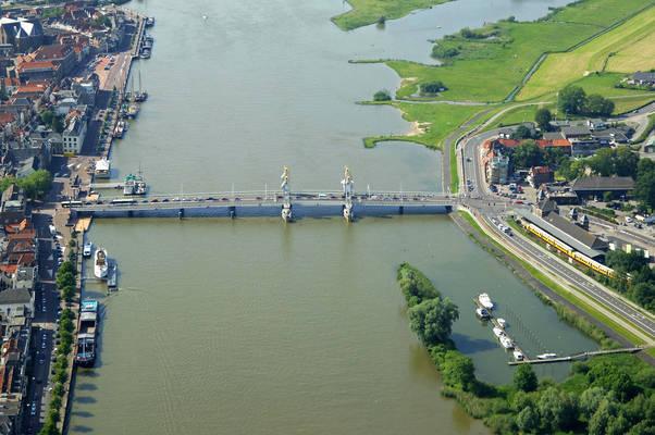 Nieuwe Ijssel Bridge