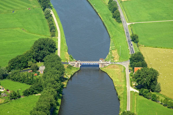 Dorkwerdbrug Bridge