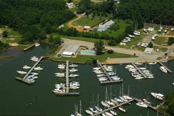 Crown Pointe Marina