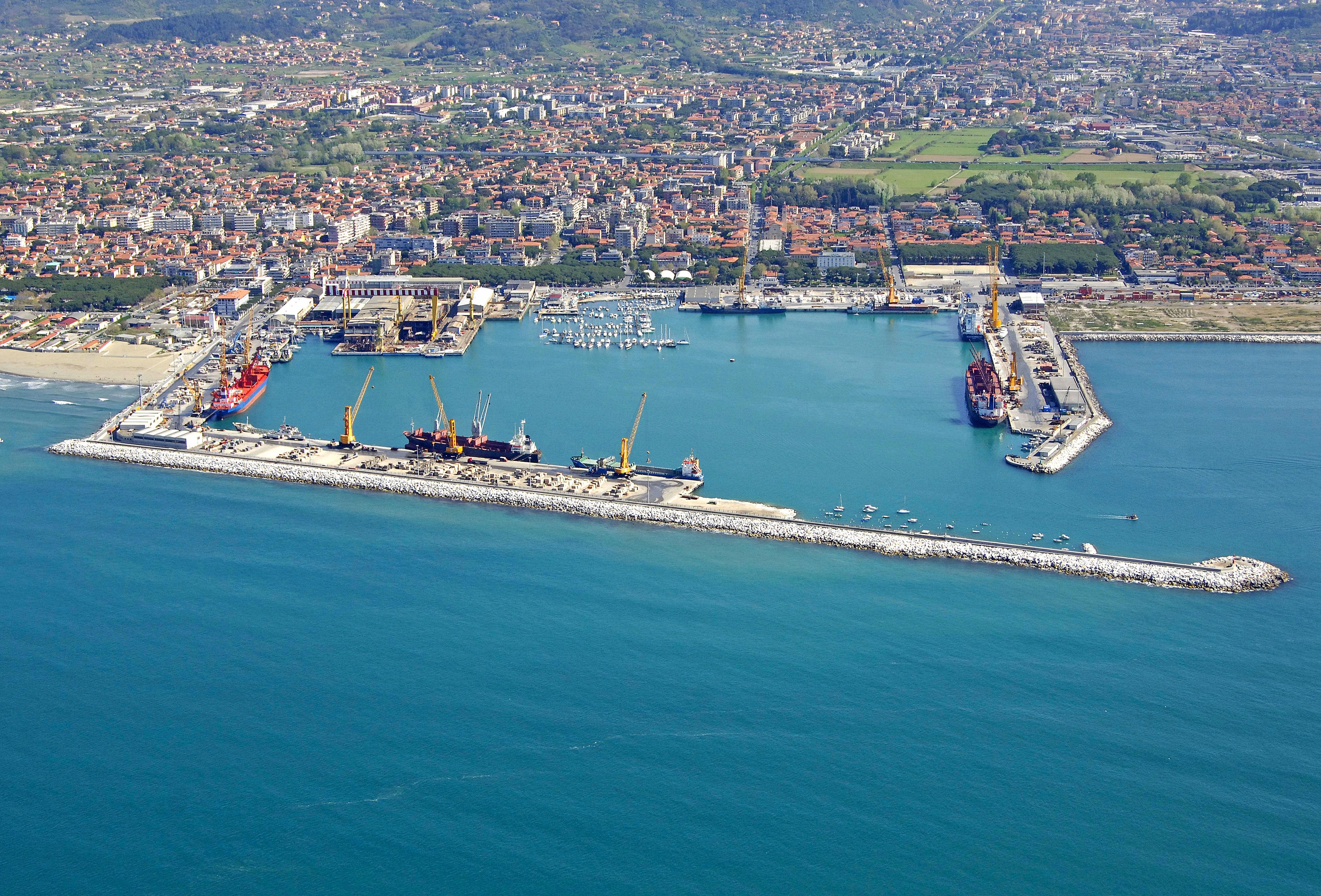 Marina Di Carrara in Italy Marina Reviews Phone Number Marinascom