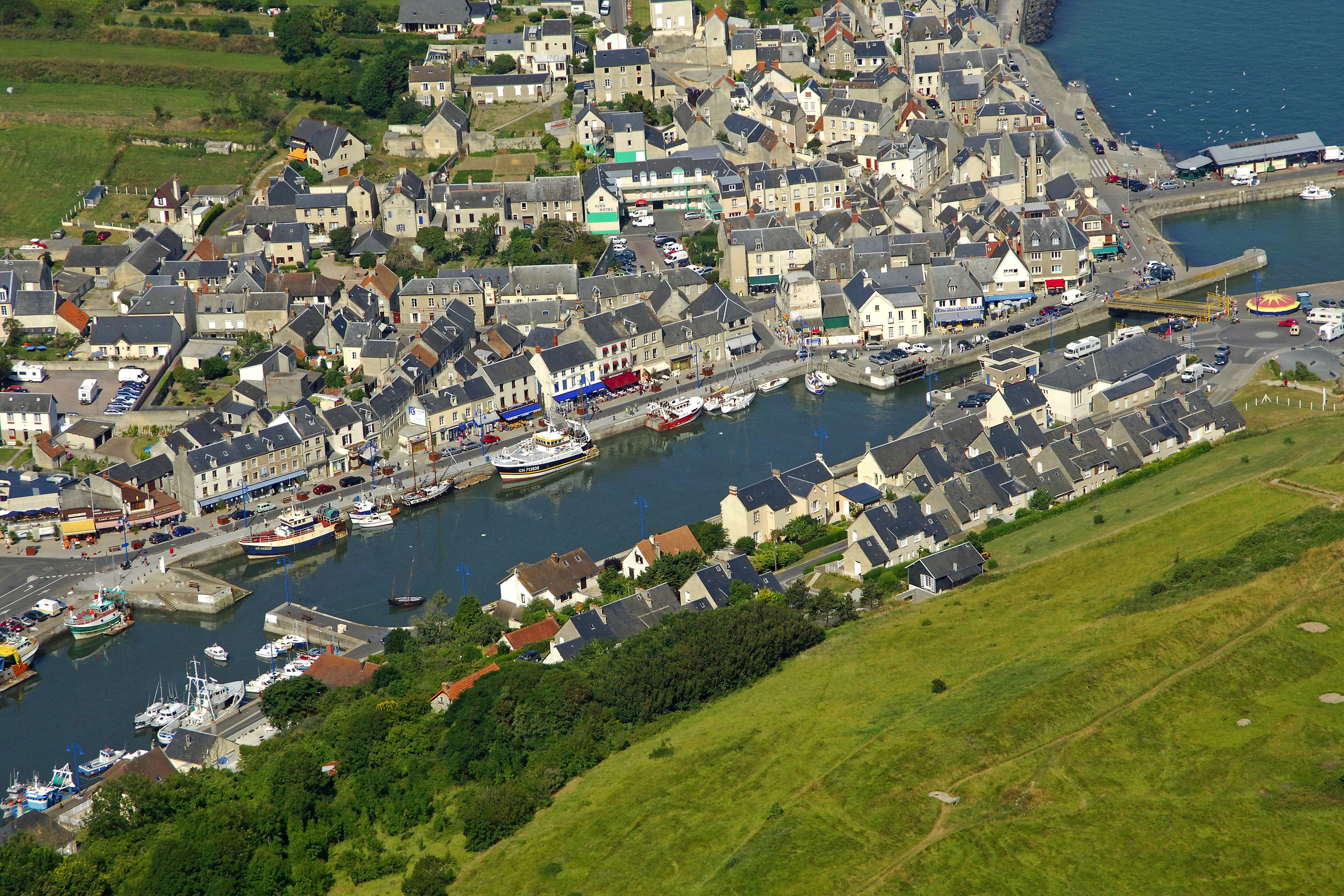 Port En Bessin Center Marina In Port En Bessin Huppain Low Normandy - Location port en bessin