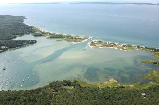 Lake Tashmoo Harbor