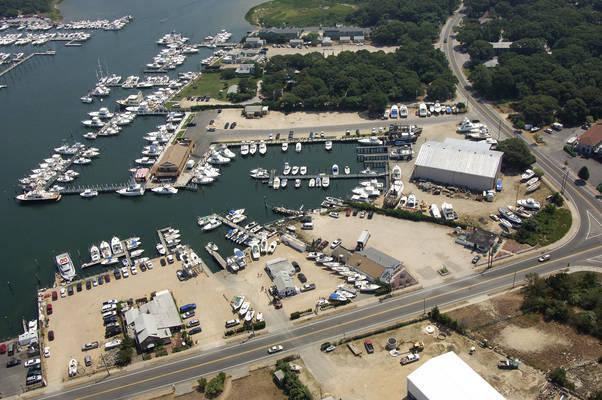 Uihlein's Marina & Boat Rentals