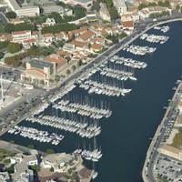 Bassin De Ferrieres Marina