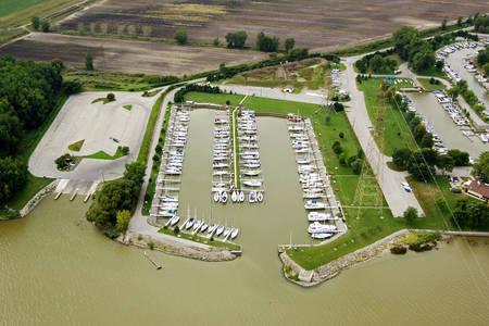 Bay City Yacht Club
