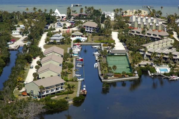 Bocilla Island Club Marina