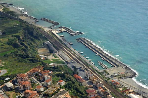Marina Di Belvedere