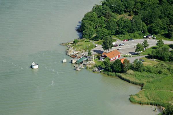 Skenas Ferry
