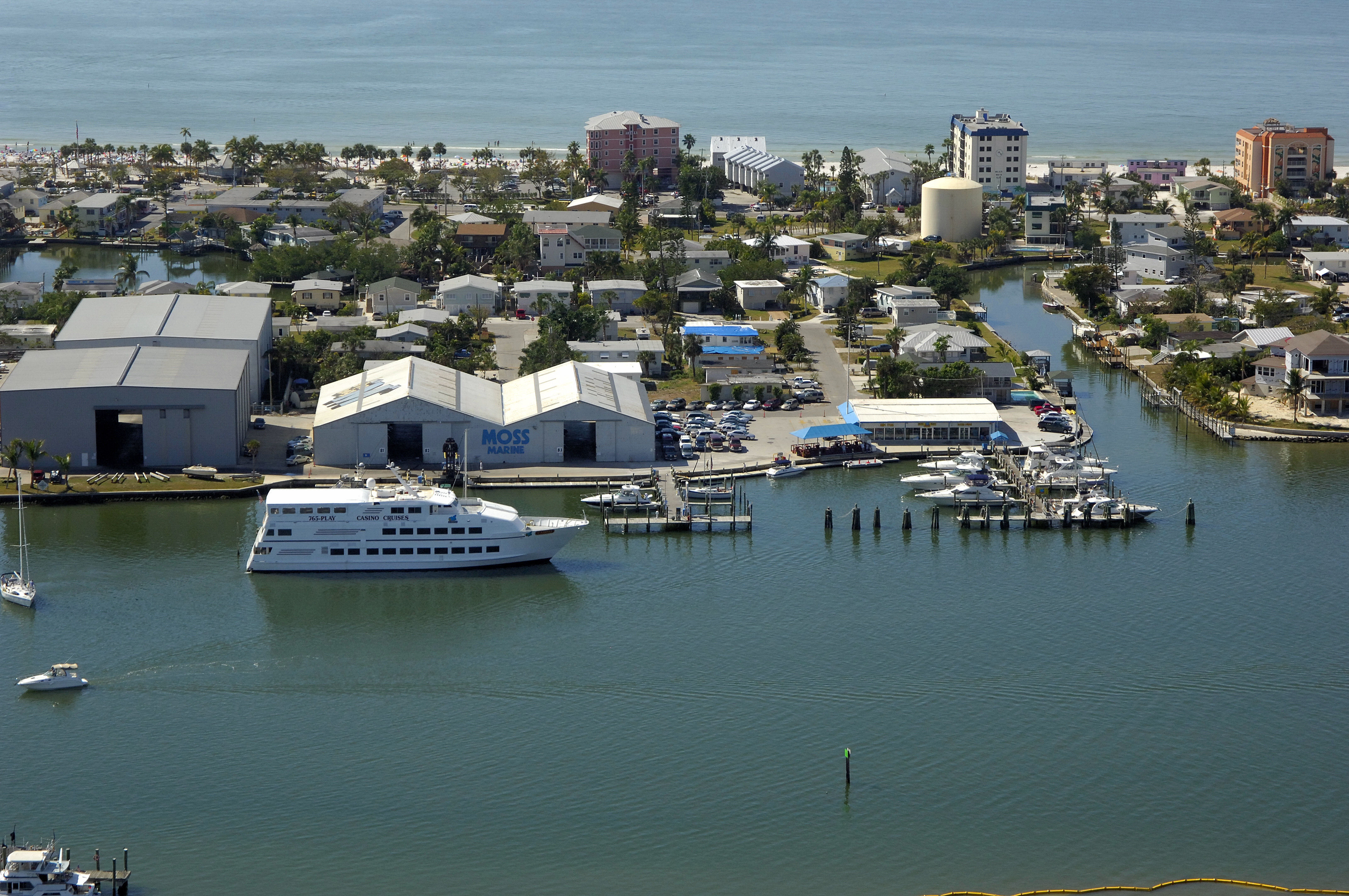 Moss marina in fort myers beach fl united states marina moss marina in fort myers beach fl united states marina reviews phone number marinas geenschuldenfo Gallery