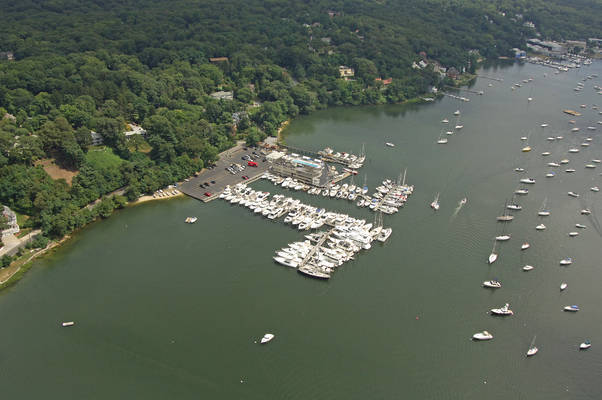 Huntington Yacht Club