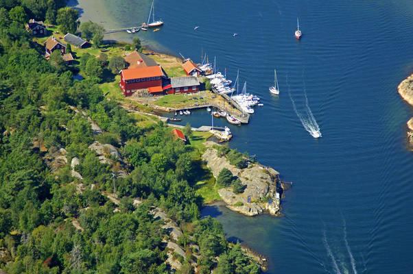 Bassholmen Yacht Harbour