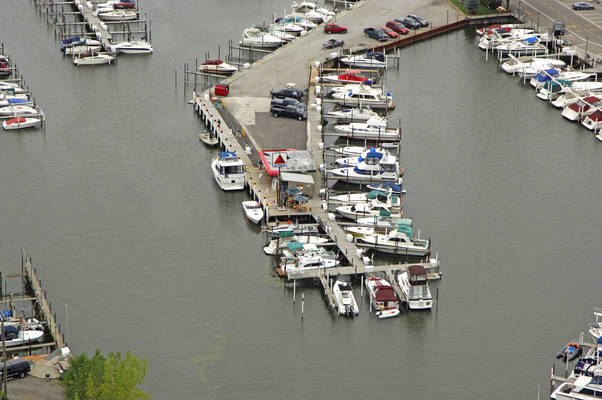 Len's Gas Dock