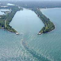 Port Weller Harbour Inlet