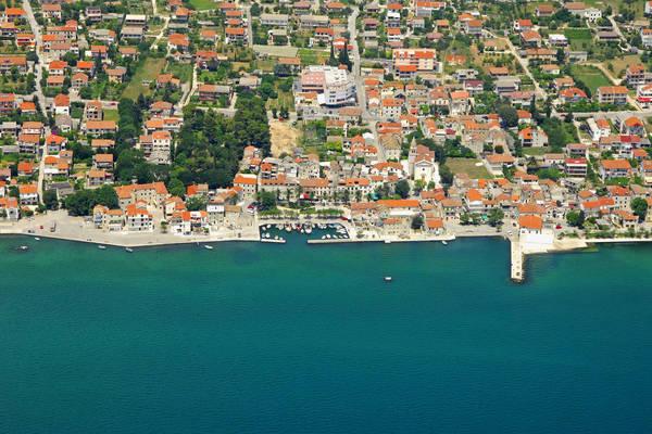 Kastel Kambelovac Harbour