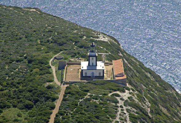 Cape Pertusato Light (Pertusato Light)
