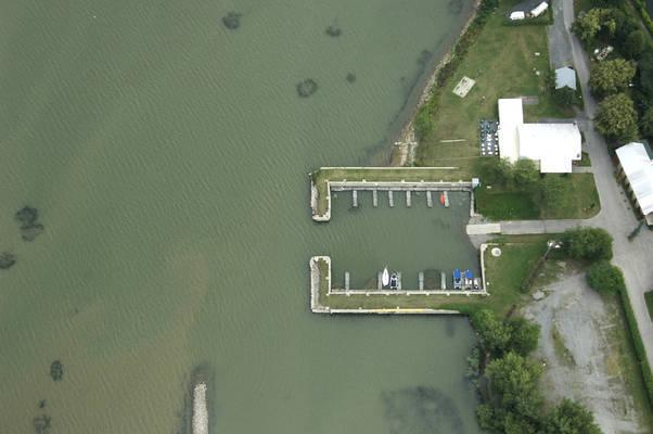 Chemin Du Canal Marina
