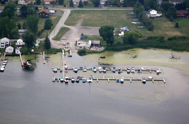 La Marina Bayview