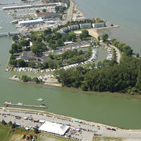 Port Clinton Yacht  Club