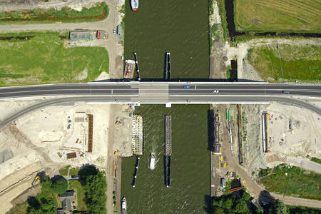 Fonejacht Bridge
