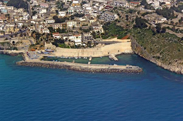 Castro Marina