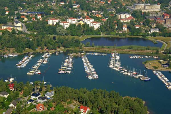 Nynaeshamn Smaabaatshamn Marina