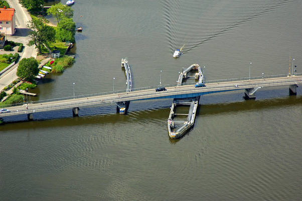 Tosteroebron Bridge