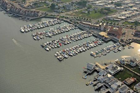 Lighthouse Point Marina
