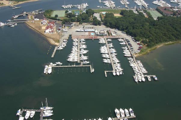 Star Island Yacht Club & Marina