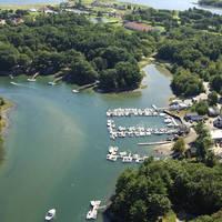BGs Boat House Restaurant and Marina