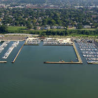 Commodore Perry Yacht Club