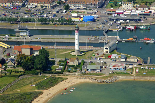 Ouistreham Lighthouse