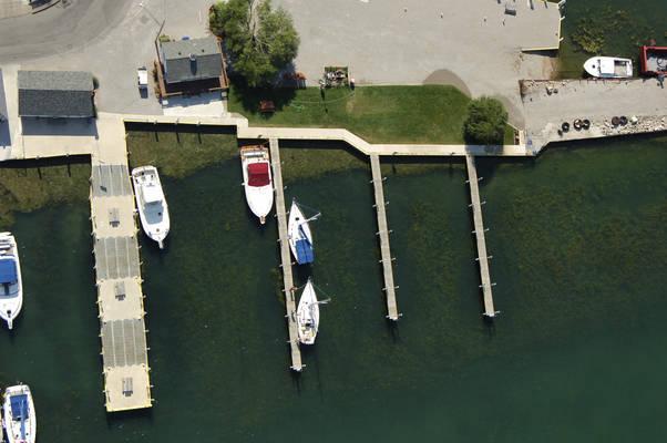 Put-In-Bay Yacht Club