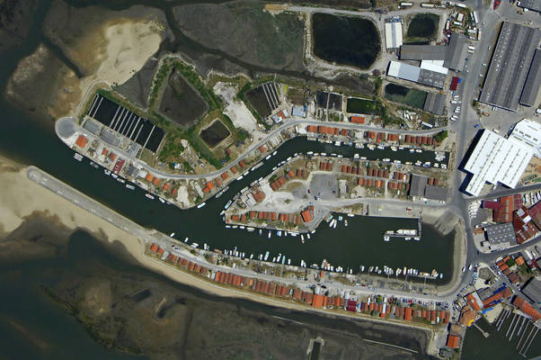 Port Larros Basin Marina 1