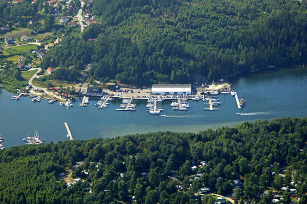 Almosund Road Outer Marina