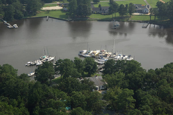Mathews Yacht Club