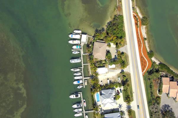 Harbor Hideaway Marina