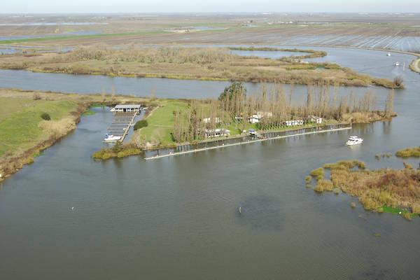 Delta Yacht Club